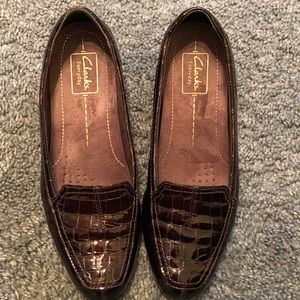 Clark's Loafer Burgundy Size 8 AMAZING CONDITION!!